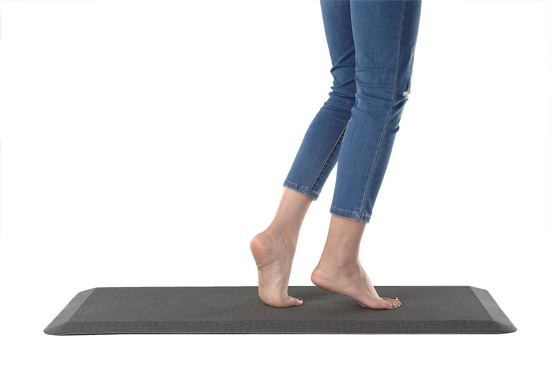 ปวดเมื่อยกล้ามเนื้อน่อง ต้นขา อาการปวดเมื่อยเท้า ปวดเข่า ปวดหลัง และเป็นเส้นเลือดขอด เราสามารถป้องกันได้ง่าย ๆ ด้วย 6เทคนิคลดความเมื่อยล้า